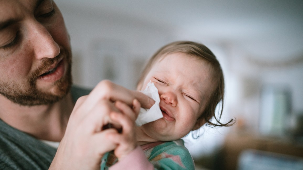 how to get mucus out of baby throat